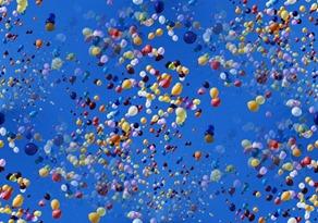 balloons-800x533