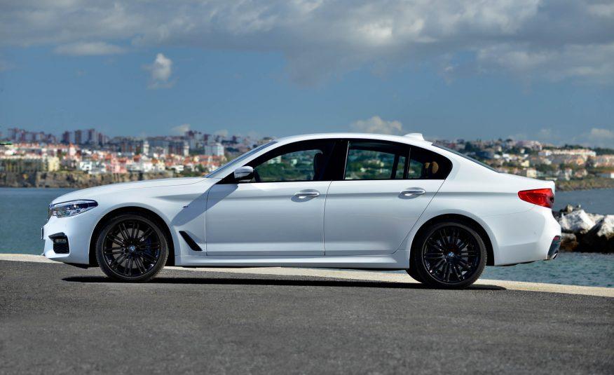 Xe BMW 528i New Model màu trắng 03