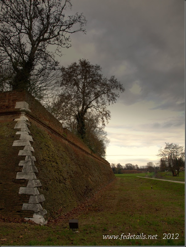Baluardo della Montagna (Vista 1 ), Ferrara, Emilia Romagna, Italia - Bastion of the Mountain ( View 1 ), Ferrara, Emilia Romagna, Italy - Property and Copyrights of www.fedetails.net