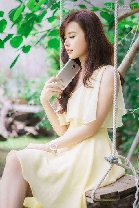 Cùng ngắm hotgirl Midu bên Meizu MX 5 nhé