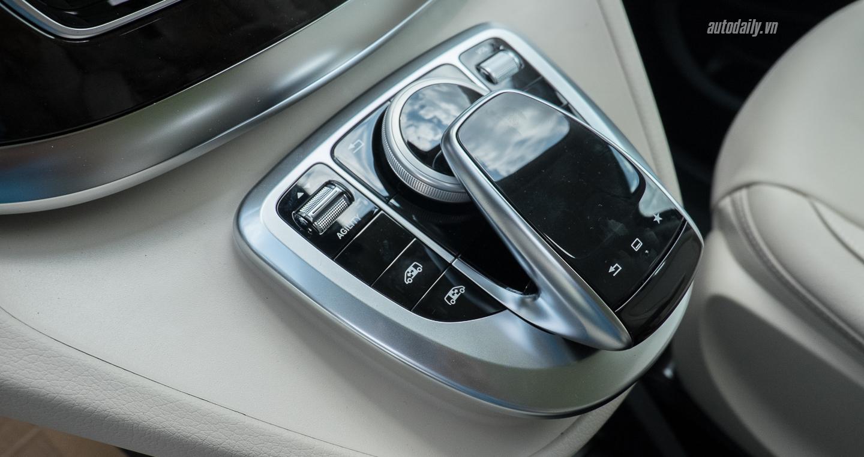 Nội thất xe Mercedes Benz V250 Avantgarde Máy Xăng màu trắng 013
