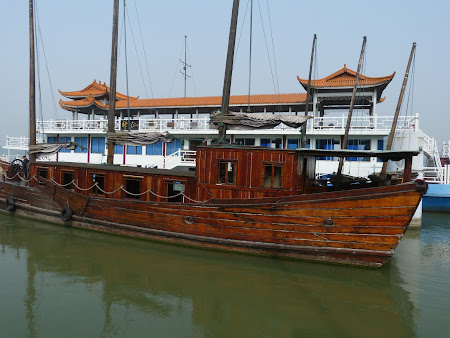 Obiective turistice Wuxi: Vas promenada - junk boat Wuxi