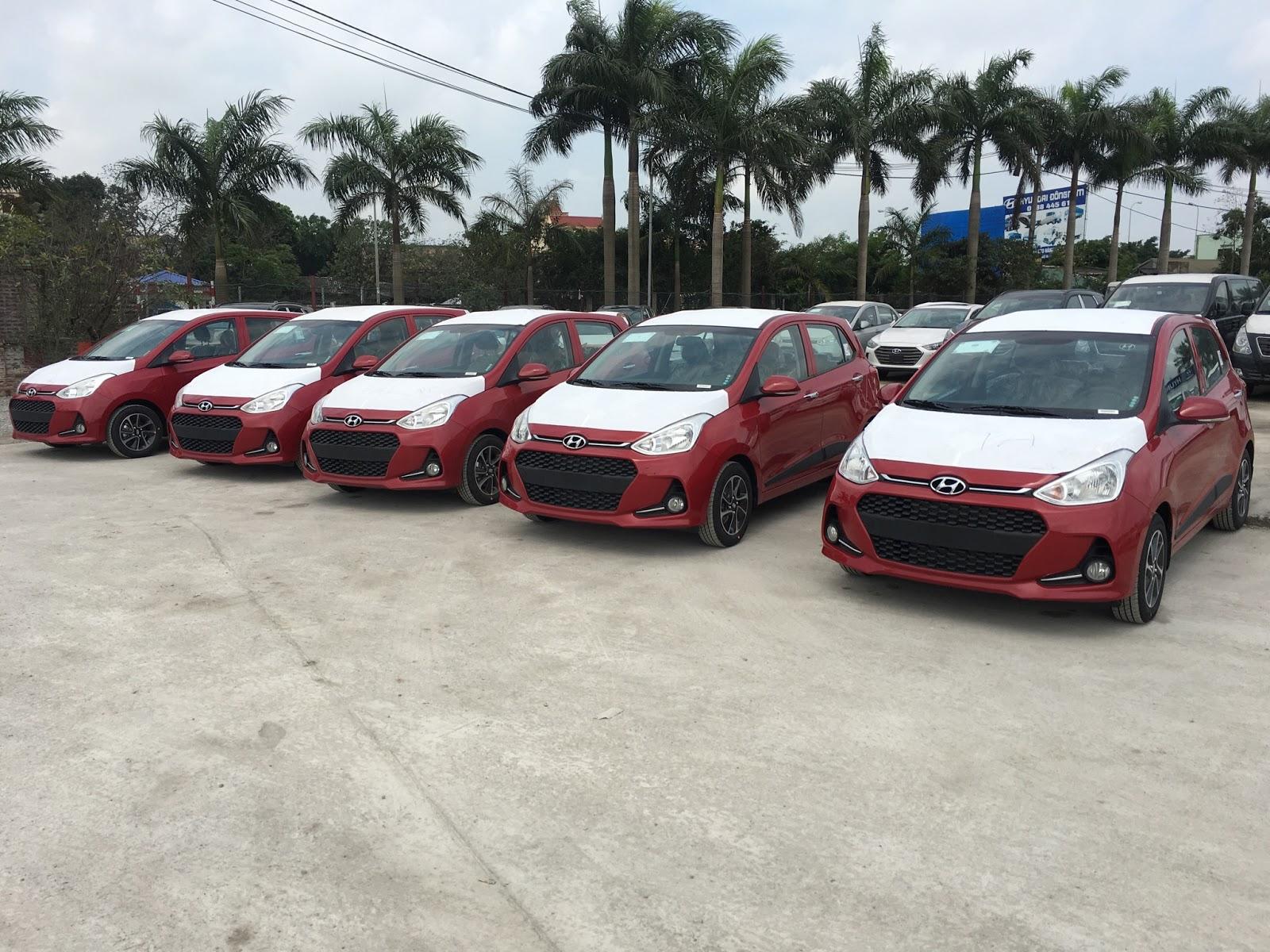 Nội thất xe Hyundai Grand i10 2018 màu đỏ 013