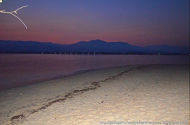 Night shot of the mainland shore @ Potipot Island