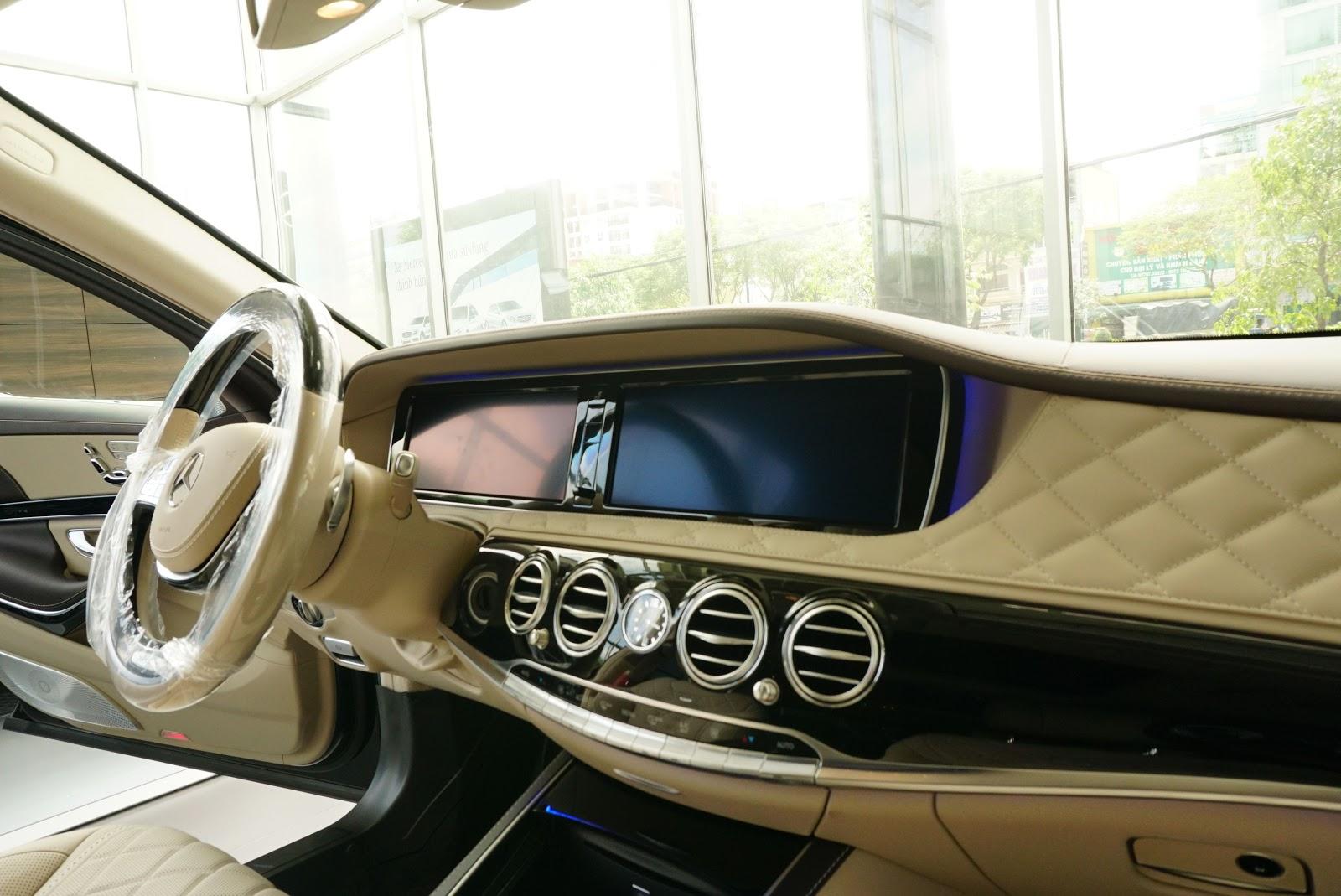 Nội Thất Xe Mercedes Benz S600 MAYBACH Màu Đen 03