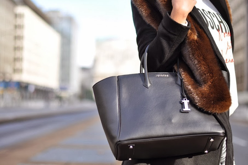 outfit, iceberg giuliana bag, parigi fashion week, italian fashion bloggers, fashion bloggers, street style, zagufashion, valentina coco, i migliori fashion blogger italiani