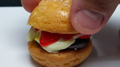 These mini burger cakes look incredible NationalBurgerDay