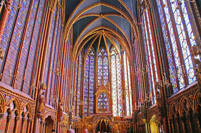Sainte_chapelle_-_Upper_level.jpg
