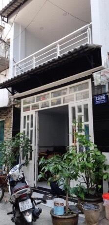 Bán gấp nhà hẻm một sẹc đường Nguyễn Sơn quận Tân Phú 2