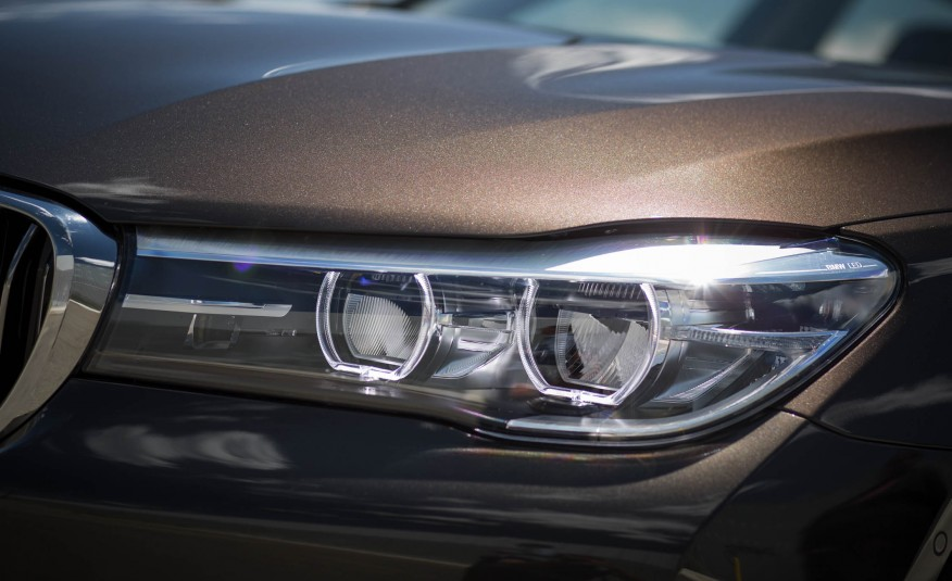 Ngoại thất xe BMW 730Li new model 08
