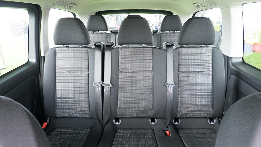 Nội thất Xe Mercedes Benz Vito Tourer 121 8 Chỗ Máy Xăng 06