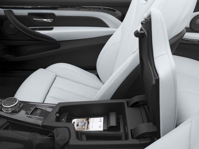 Nội thất xe BMW M4 Convertible 09