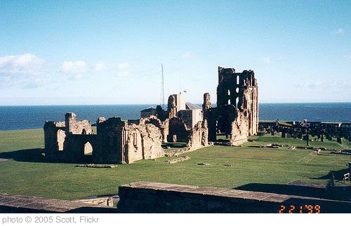 'tynemouth-priory-8.jpg' photo (c) 2005, Scott - license: http://creativecommons.org/licenses/by-sa/2.0/