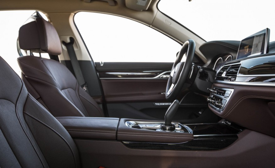Nội thất xe BMW 730Li new model 02