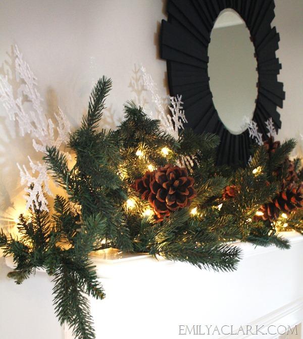 Simple Christmas Mantel emilyaclark.com