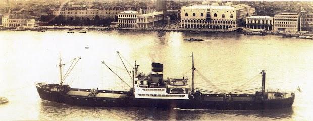 El vapor SANTO DOMINGO en Venecia. Fecha indeterminada .Del libro ANAVE. 1.952-1.980.jpg
