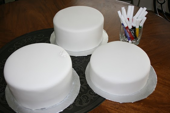 How Much Icing To Cover Three Cm Cakes