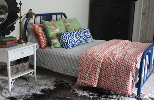 Lovely Kids Bedroom With Blue Metal Bed