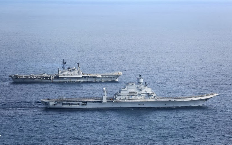 Aircraft-Carrier-INS-Vikramaditya-03-Indian-Navy-R