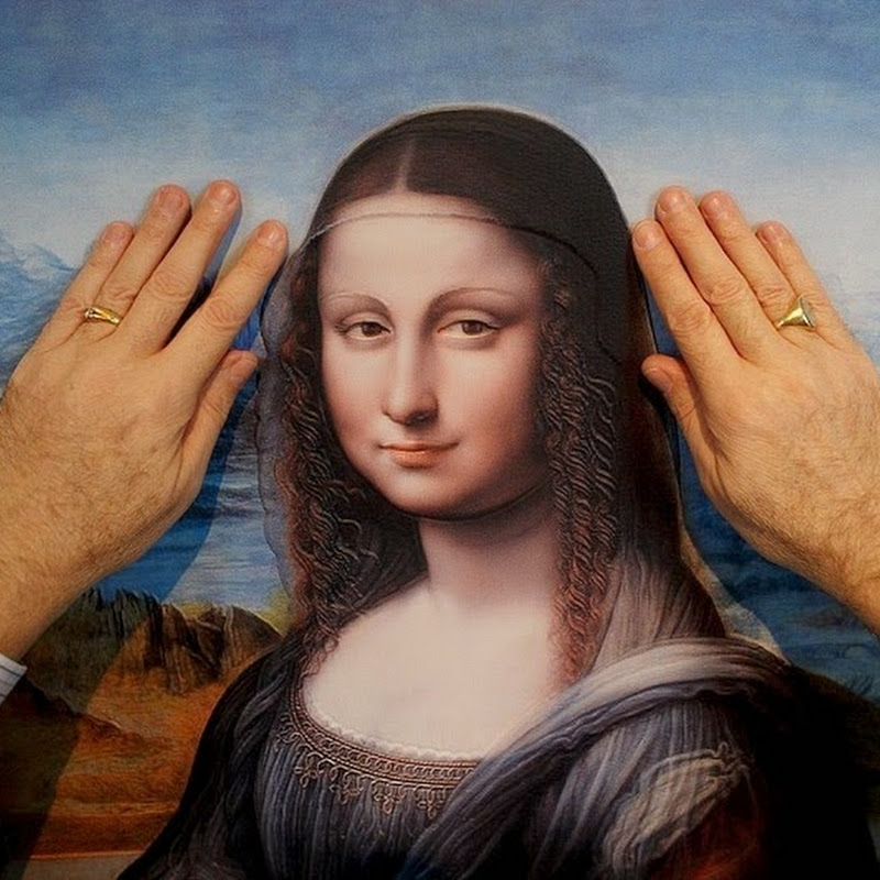3D Art Exhibition Allows Blind People to 'See' Masterpieces by Touching Them
