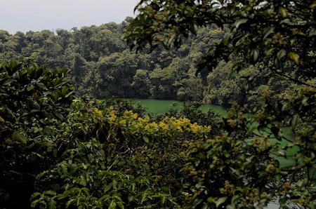 Obiective turistice Costa Rica: Cerro Chato - lacul din conul vulcanului