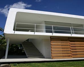 Fachada-minimalista-Casa-de-Los-Amates-Jorge-Hernandez-de-la-Garza