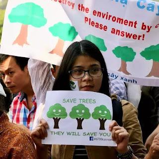 Nhà hoạt động Đinh Thảo bị bắt giữ khi trở về Việt Nam