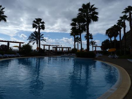 Cazare Madeira: hotel Calheta beach - piscina