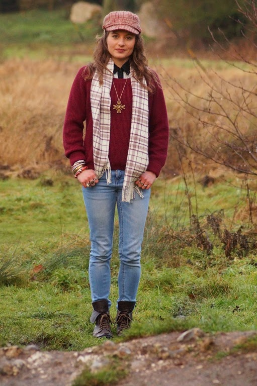 how to wear a tartan scarf