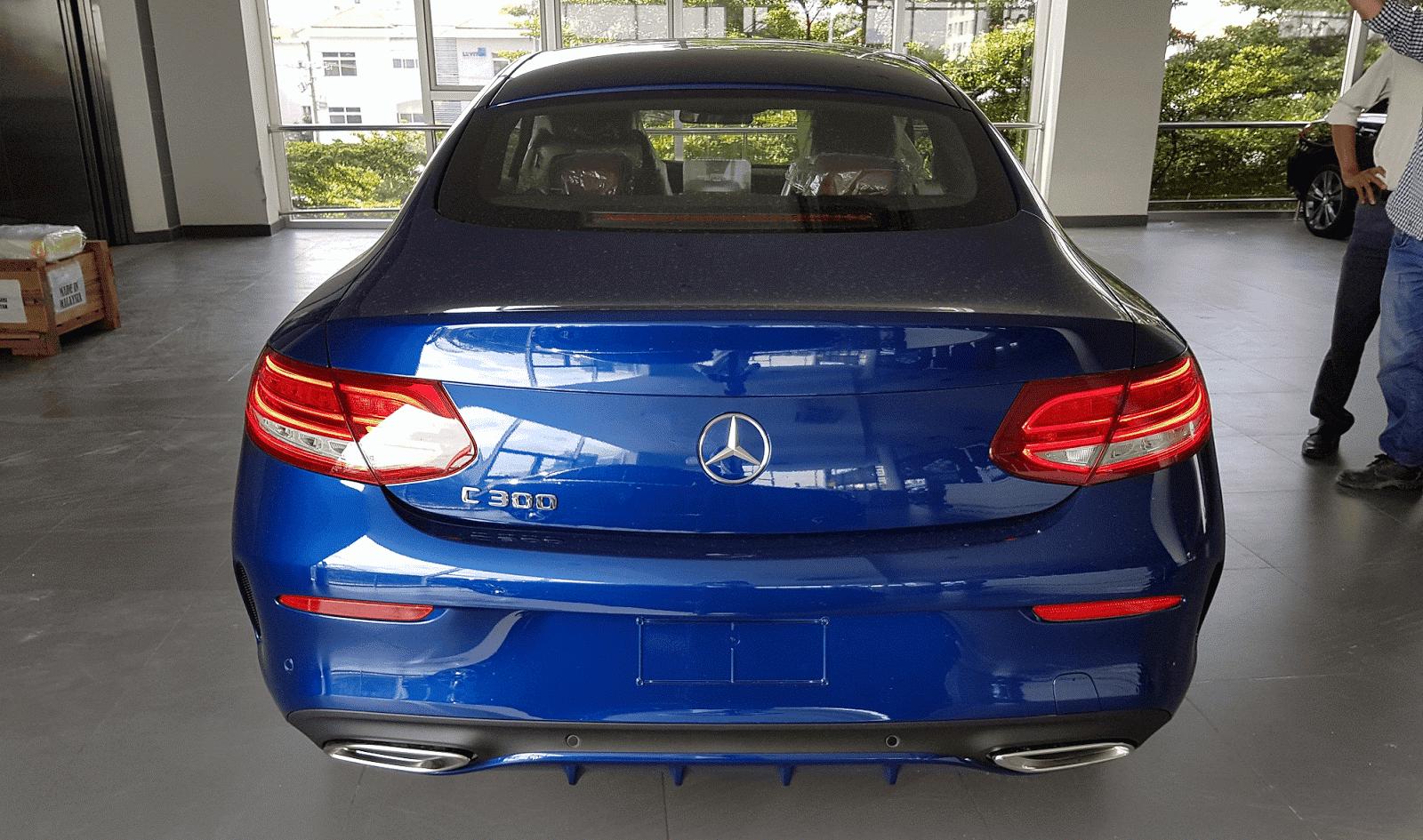 xe Mercedes Benz C300 Coupe 06