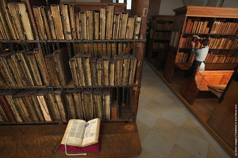 hereford-cathedral-chained-library-2
