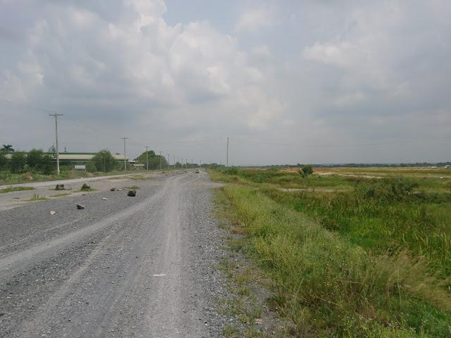 Đất nền thổ cư ngay giao lộ Võ Văn Kiệt và Quốc Lộ 1A, sổ đỏ xây dựng tự do.4