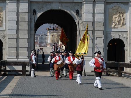 13. schimbarea garzii la Alba Iulia.JPG