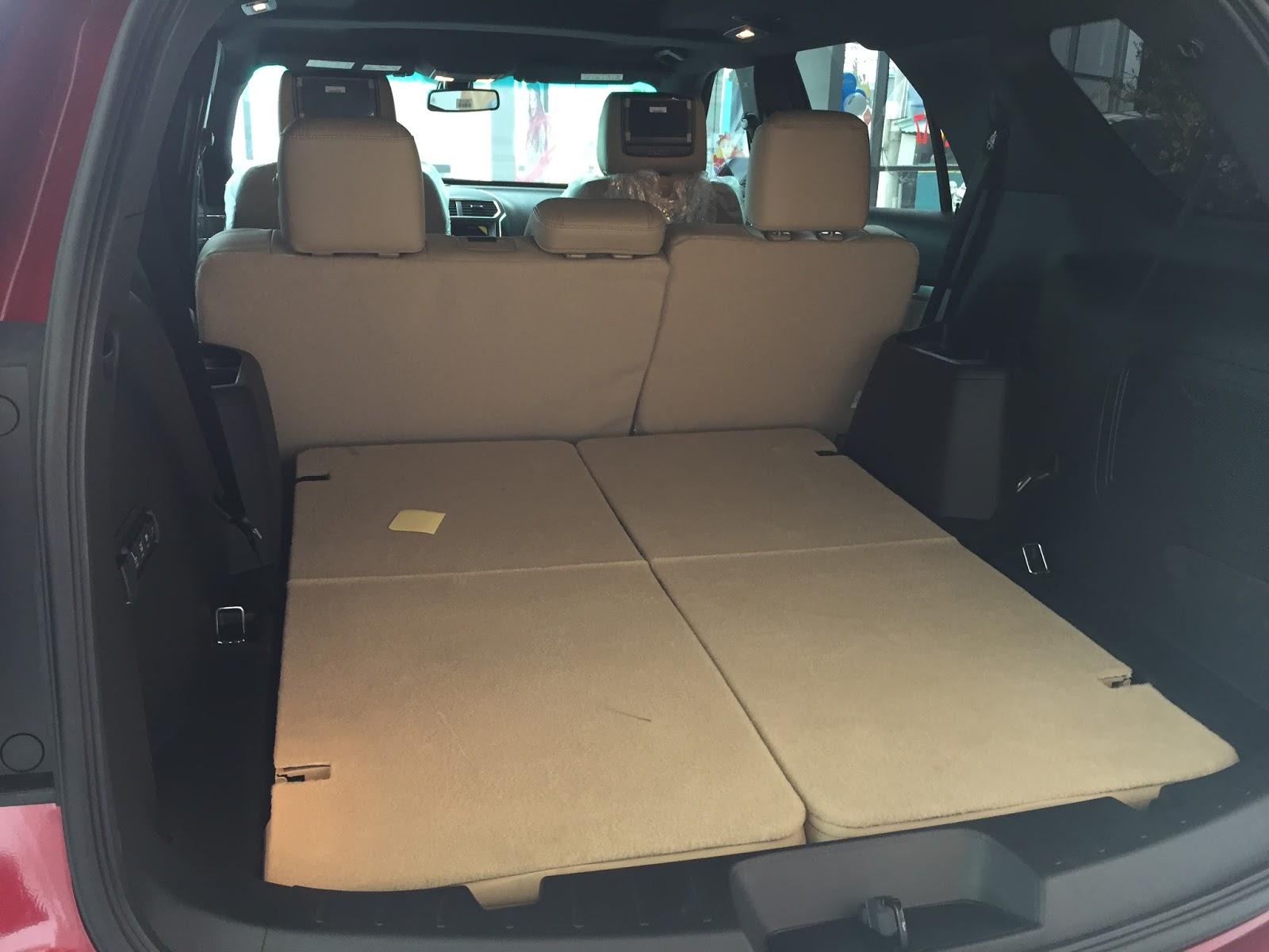 Nội thất xe Ford Explorer 2018 Màu Đỏ 03