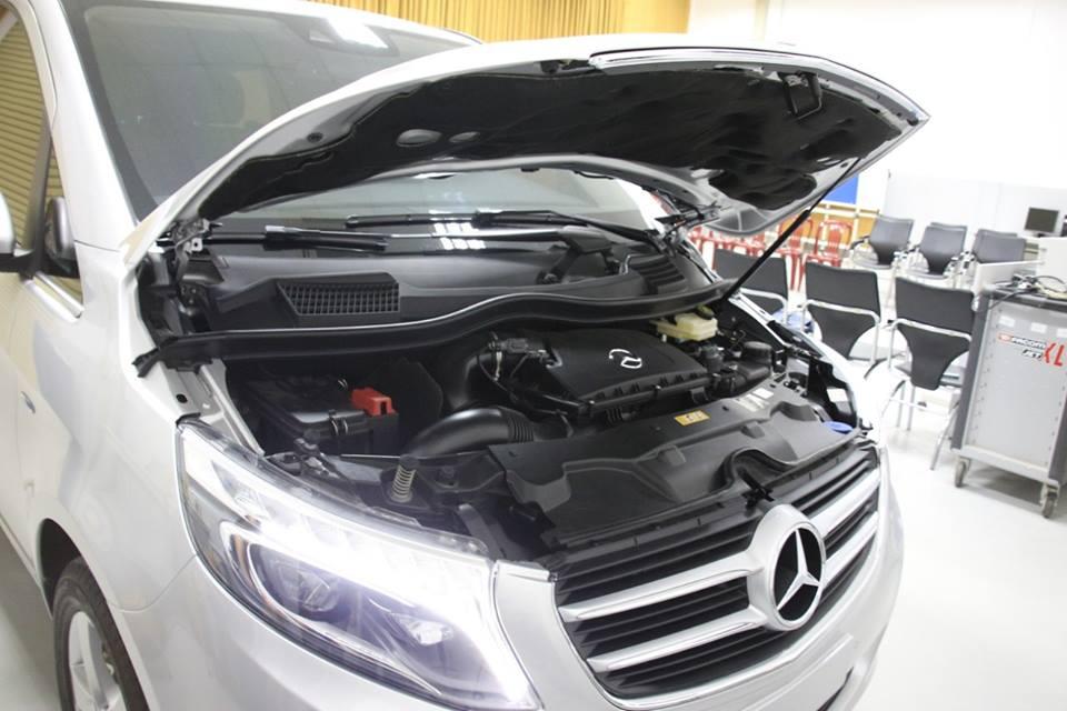 xe Mercedes Benz V220 Máy Dầu 09