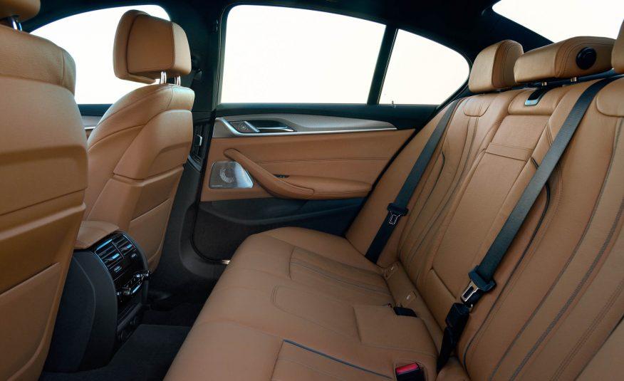 Xe BMW 528i New Model 012