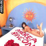 Andrea Rincon, Selena Spice Galeria 48 : Solo Para Ti, Corazon Petalos De Rosa En La Cama – AndreaRincon.com Foto 10