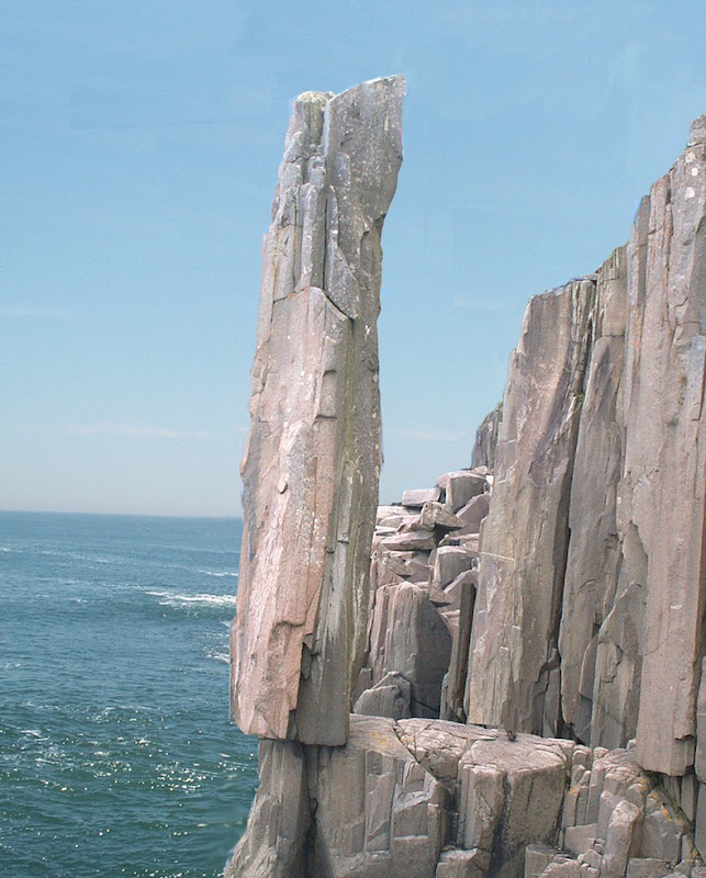 10 famous balancing rocks around the world amusing planet