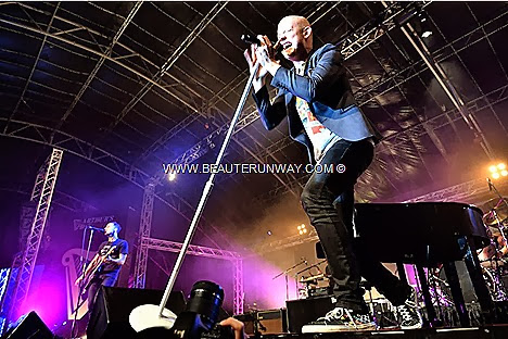 THE FRAY GUINNESS ARTHUR'S DAY CONCERT Isaac Slade Joe King Dave Welsh Ben Wysocki PINT PARTY BOLD NIGHT OUT glass shaped party arena Boldest Busker Cheers to Arthur 250th anniversary of signing of St. James's Gate, Dublin