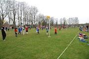 Schoolkorfbaltoernooi ochtend 17-4-2013 077.JPG