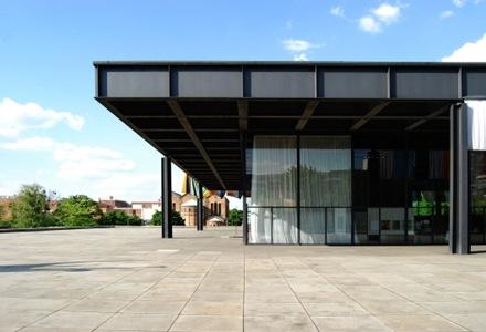 Neue-National-Gallery-de-Mies-van-der-Rohe-1