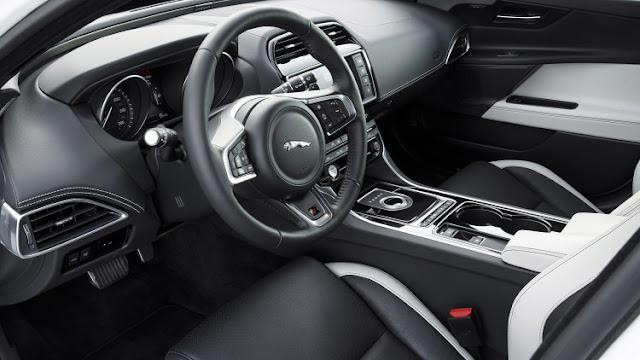 Nội thất Xe Jaguar XE phiên bản 2017-02