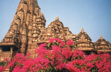 20. Templele cu scene de sex din Khajuraho.jpg