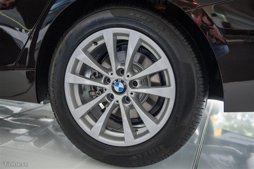 Ngoại thất xe BMW 320i GT 06