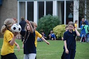 Schoolkorfbaltoernooi ochtend 17-4-2013 142.JPG