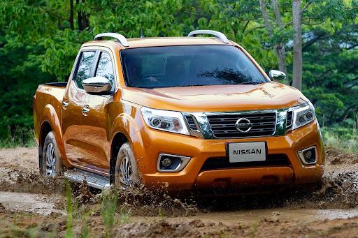 2015-Nissan-Navara-11.jpeg