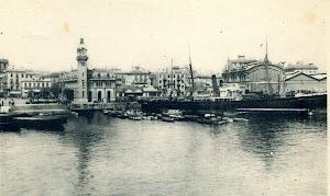 El COMERCIO frente a la Estacion Maritima de Valencia. Postal años diez o veinte del siglo XX. Por los colores de la chimenea no se puede apreciar el armador de pertenencia.jpg