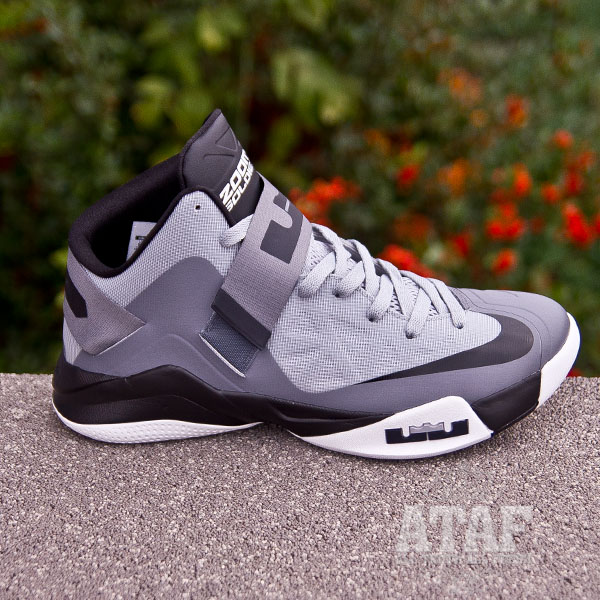2344b9ae3d29f Outlet Nike Zoom Soldier VI 6 White Black Game Royal Lebron Sold ...
