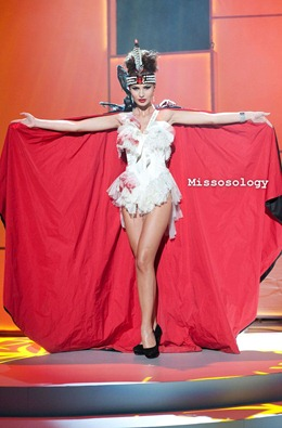 miss-uni-2011-costumes-32