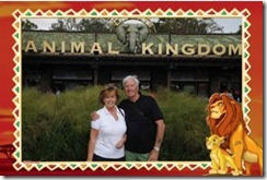 Sonja en Ray voor Animal Kingdom met Lion King